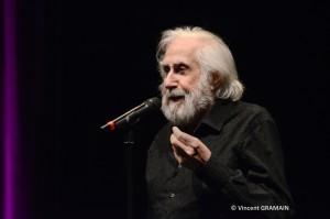 Jean Claude DERET cinéaste dramaturge et acteur français. Il est également le père de Zabou Breitman.